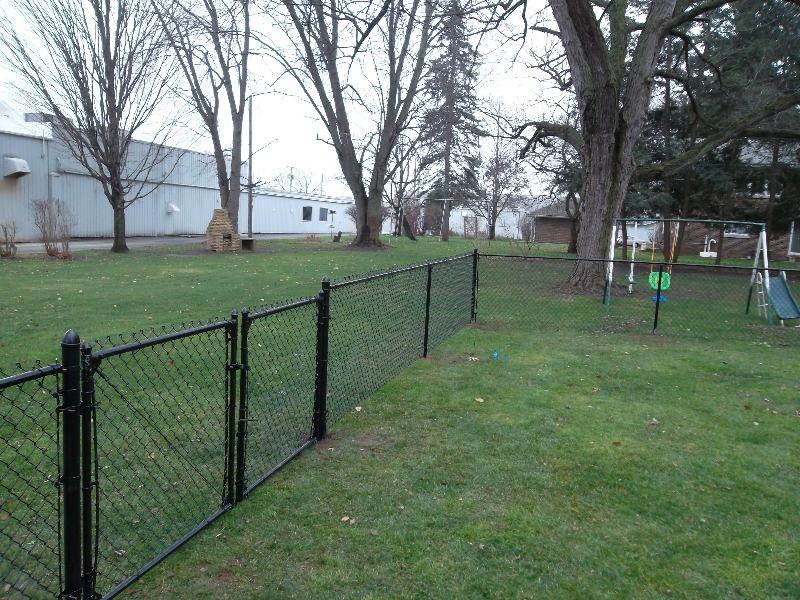 Residential Vinyl Chain Link Fencing0
