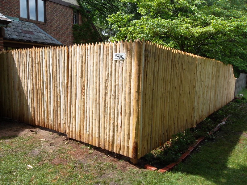Residential Wood Fencing28