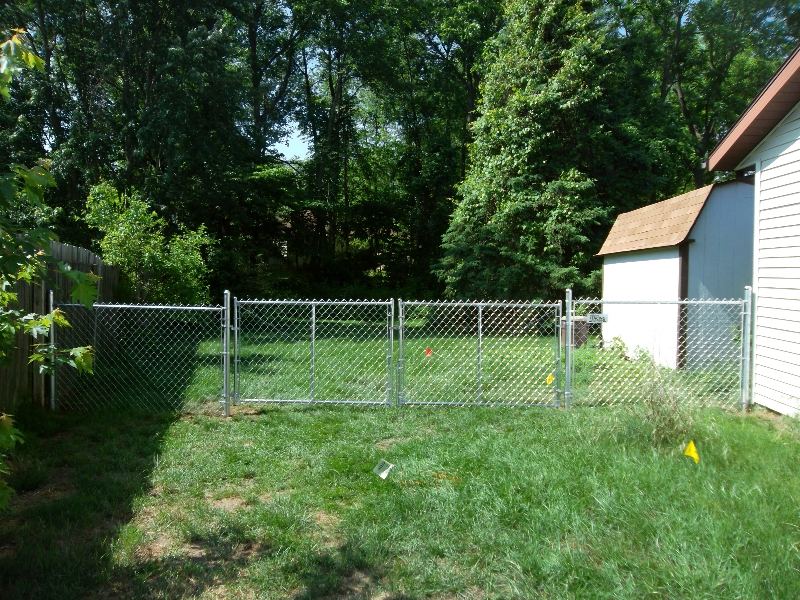 Residential Chain Link Fencing1