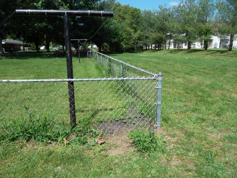 Residential Chain Link Fencing2