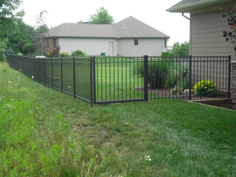 Residential Aluminum Fencing19