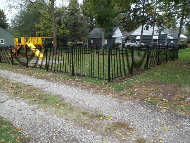 Residential Aluminum Fencing22
