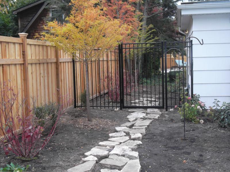 Residential Aluminum Fencing23