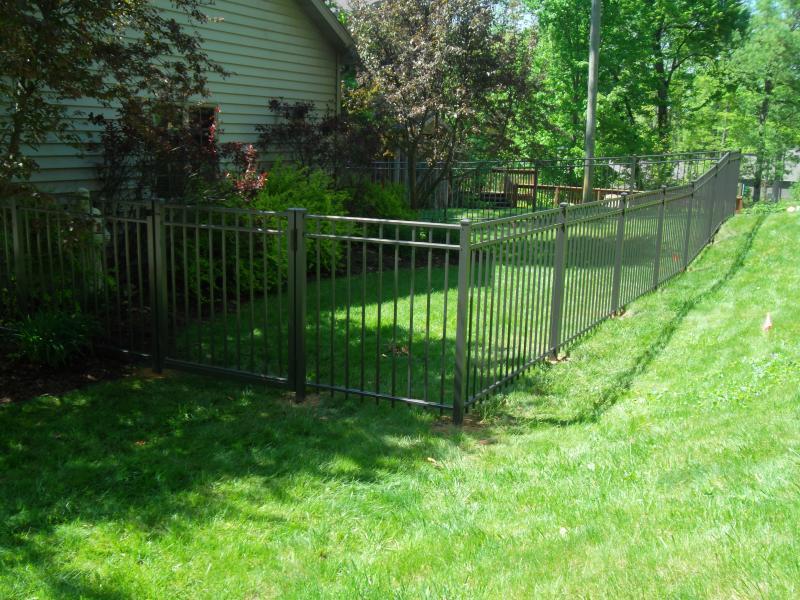 Residential Aluminum Fencing24