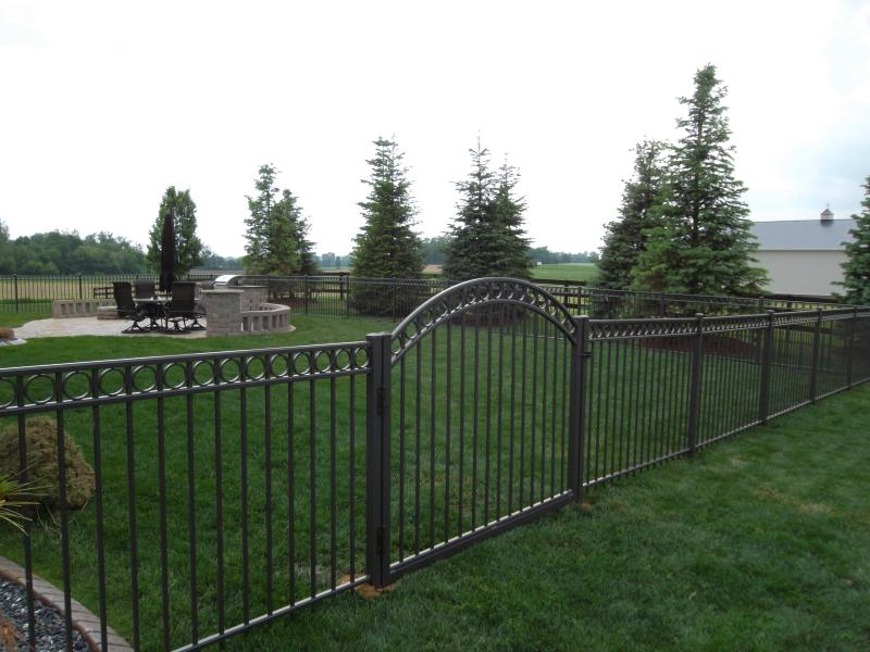 Residential Aluminum Fencing26