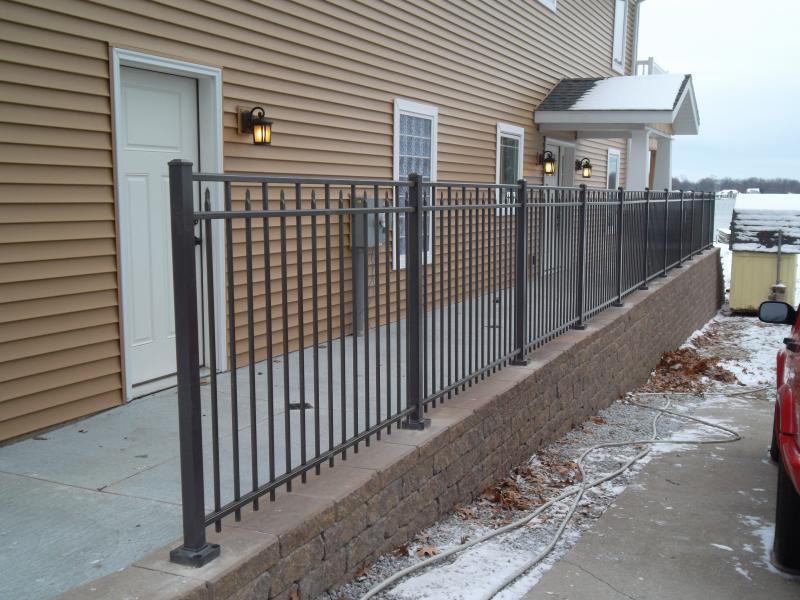 Residential Aluminum Fencing14