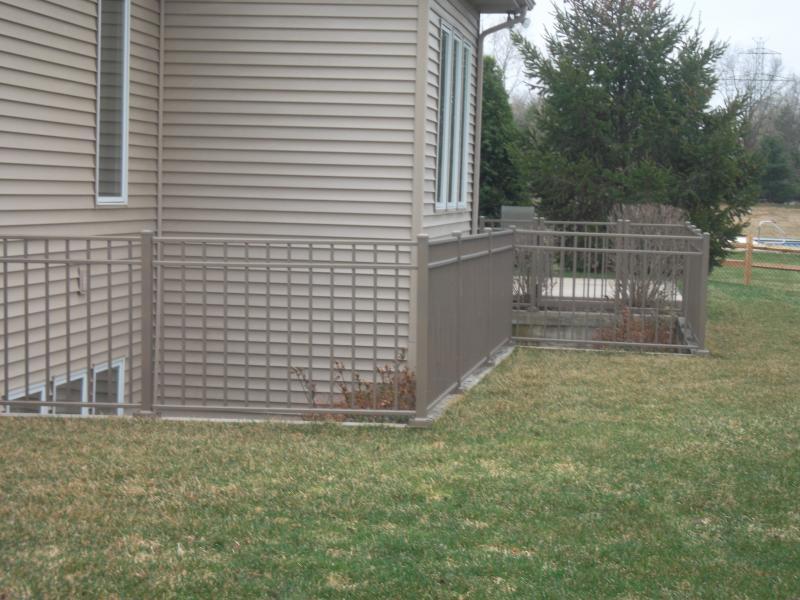 Residential Aluminum Fencing28