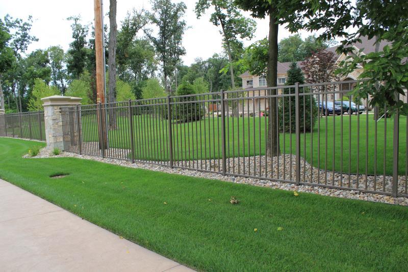 Residential Aluminum Fencing2