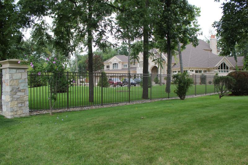 Residential Aluminum Fencing3