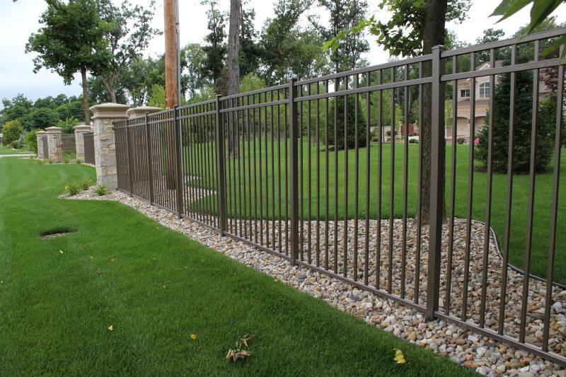 Residential Aluminum Fencing1