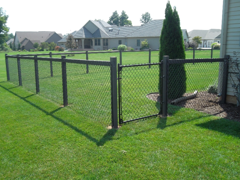 Residential Vinyl Chain Link Fencing6