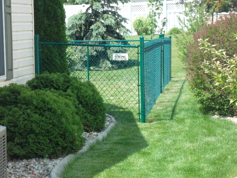 Residential Vinyl Chain Link Fencing11