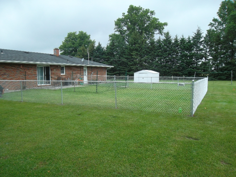 Residential Chain Link Fencing3
