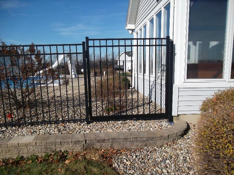 Residential Aluminum Fencing32