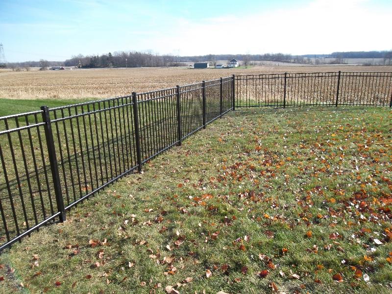 Residential Aluminum Fencing11