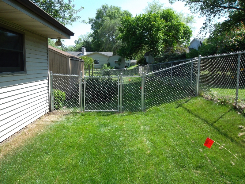 Residential Chain Link Fencing16