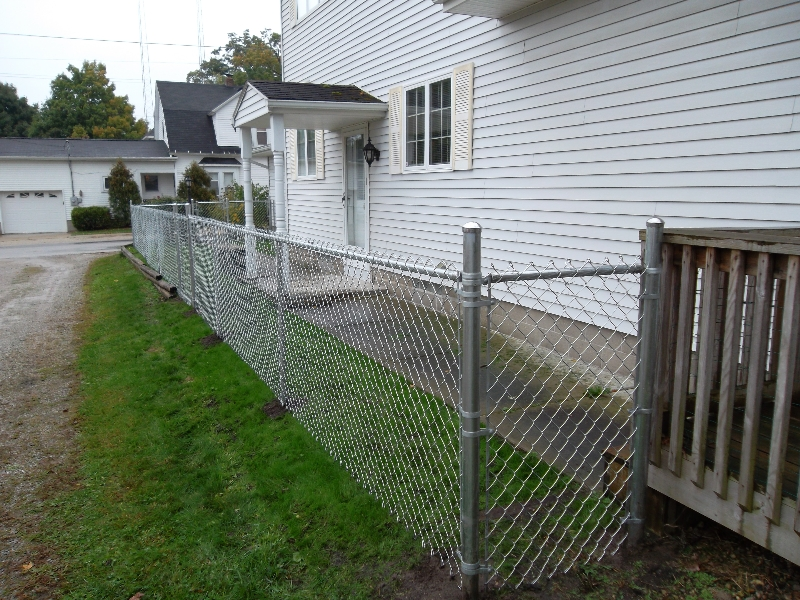 Residential Chain Link Fencing17
