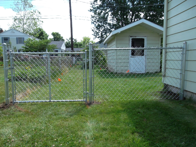 Residential Chain Link Fencing7