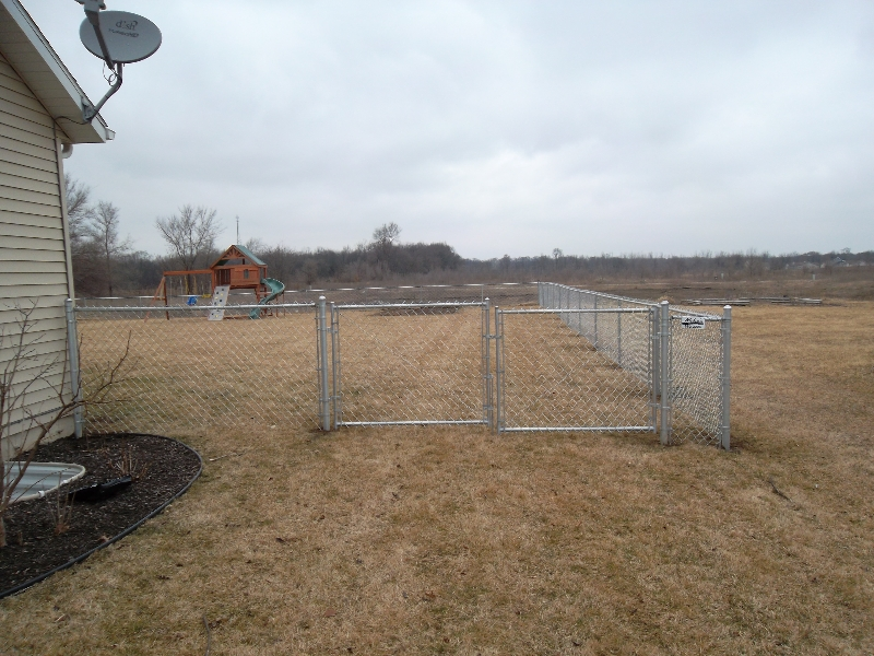 Residential Chain Link Fencing8
