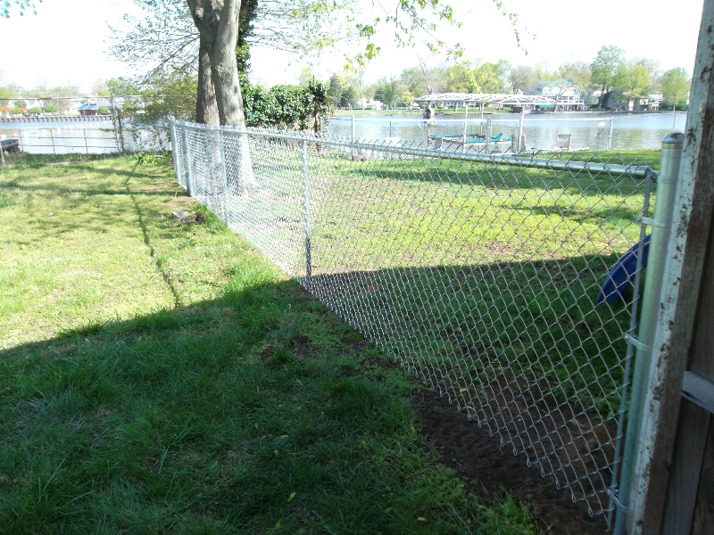 Residential Chain Link Fencing10
