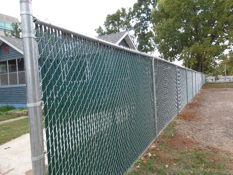 Residential Chain Link Fencing23