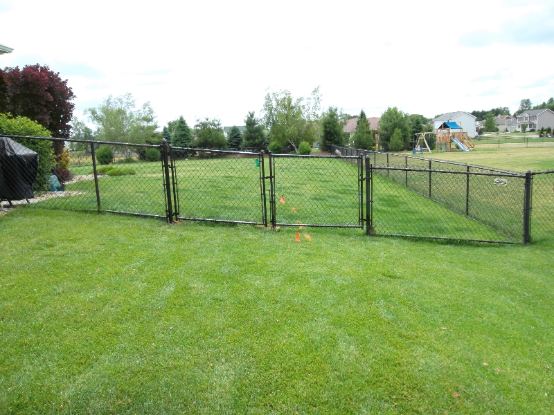 Residential Vinyl Chain Link Fencing14