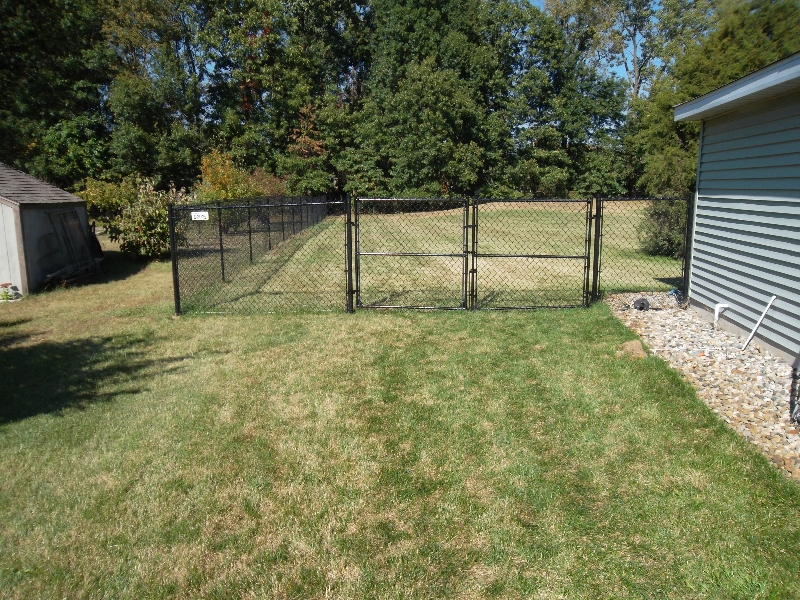 Residential Vinyl Chain Link Fencing17
