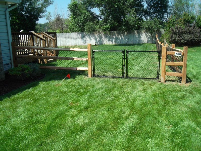 Residential Vinyl Chain Link Fencing20