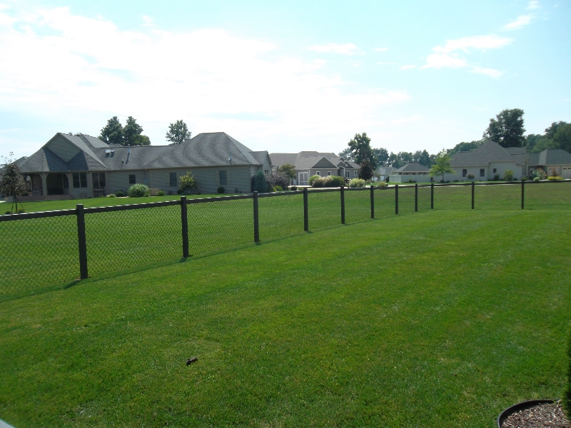 Residential Vinyl Chain Link Fencing28