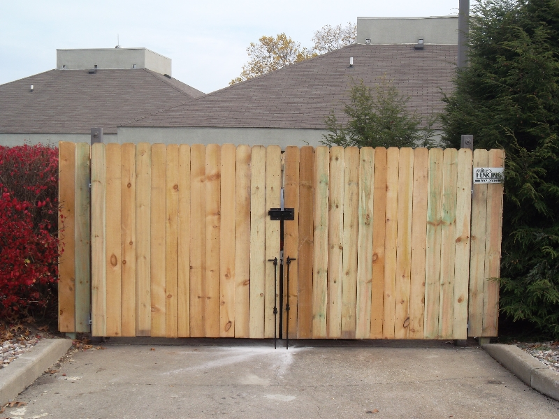 Residential Wood Fencing16
