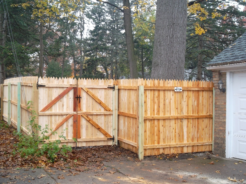Residential Wood Fencing15