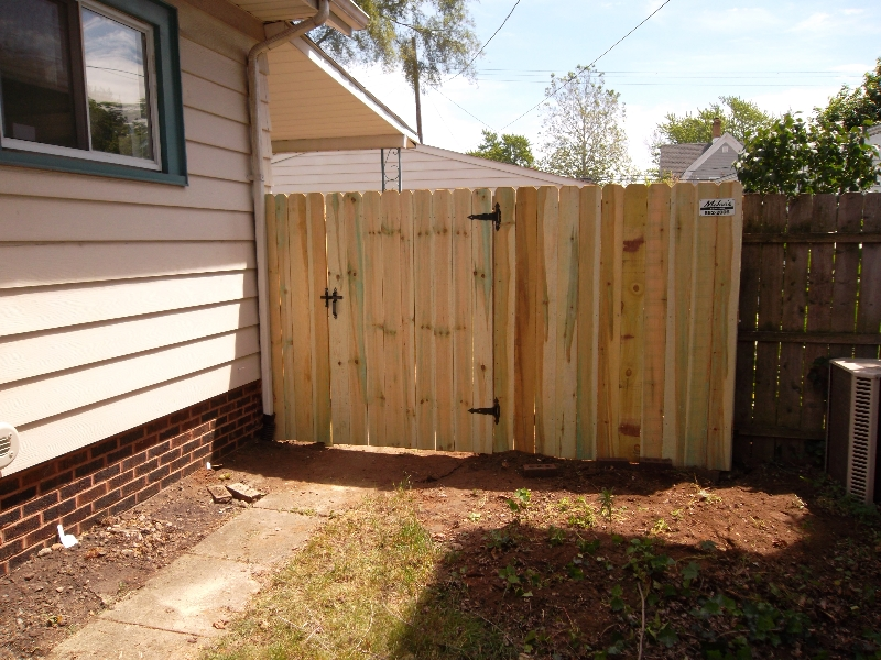 Residential Wood Fencing11